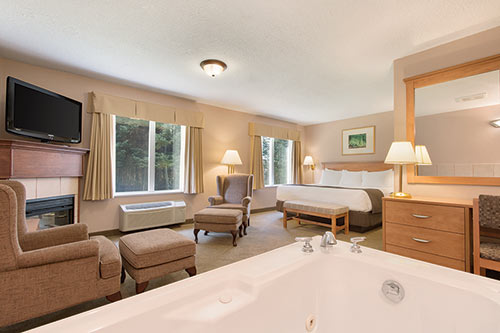 Jacuzzi Suite at Days Inn & Suites - Thunder Bay