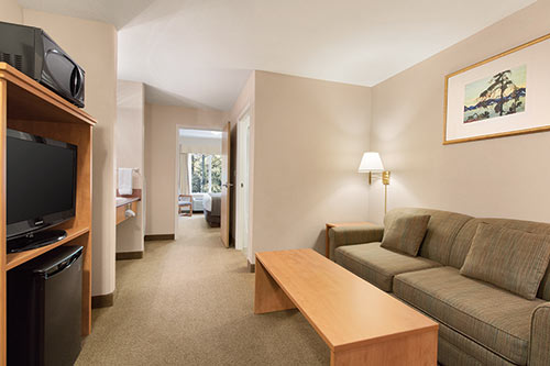 King Suite at Days Inn & Suites - Thunder Bay